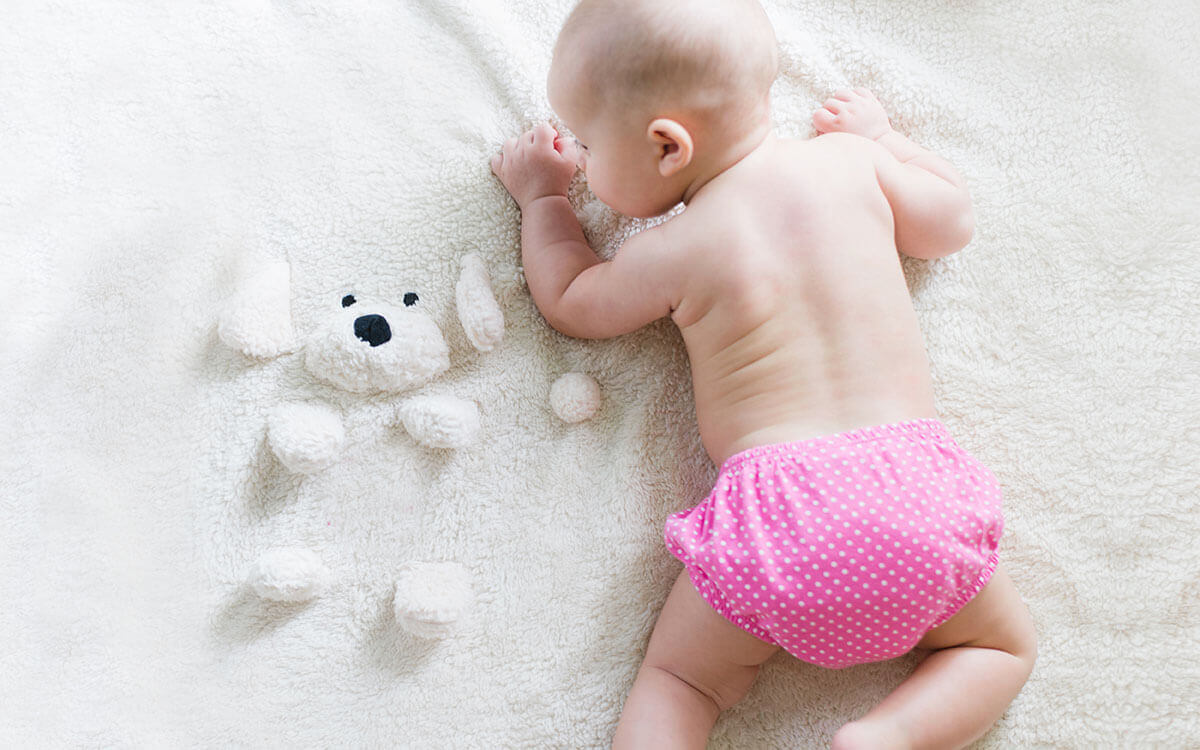 Tummy time buikligging baby